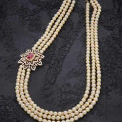 3 Strands South Sea Peal Necklace With Ruby Brooch